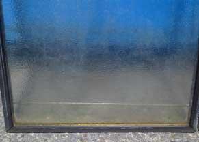 複層ペアガラスの水たまり