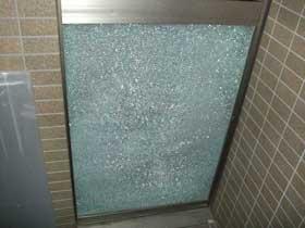 強化ガラスの破損