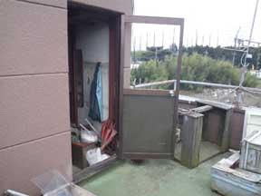 白井市のドアガラス破損
