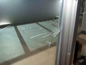 習志野市ガラス修理・交換のご案内