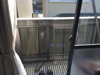 千葉市中央区のアパートくもりガラス割れ
