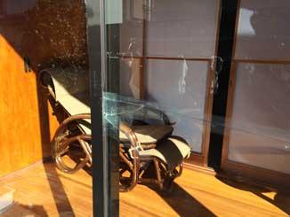 市原市の泥棒被害ガラス割れ