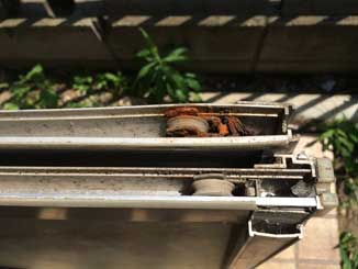 錆びた戸車