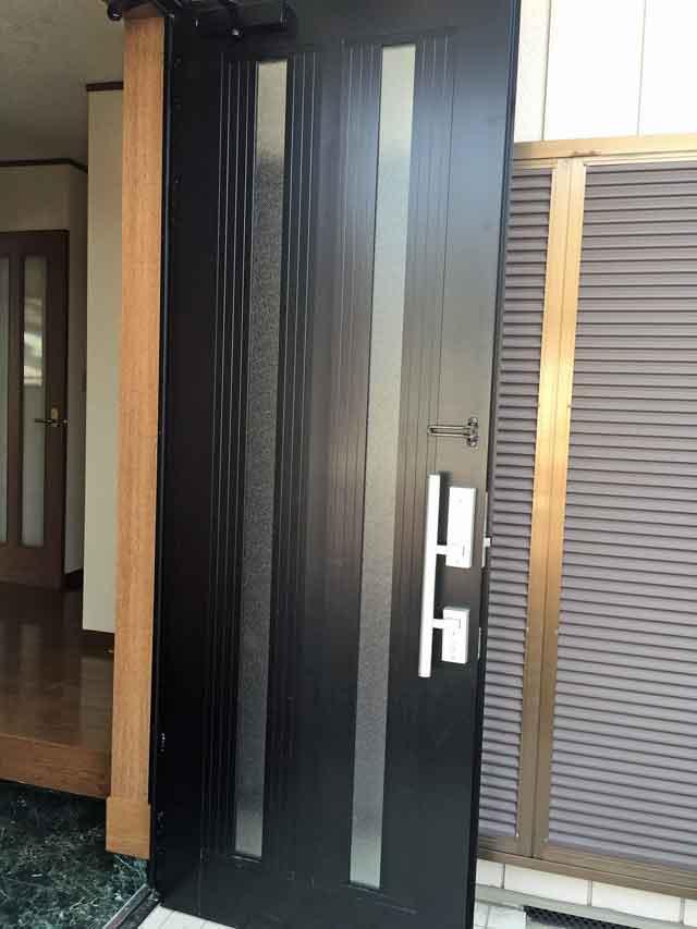 玄関ドアガラス修理・交換