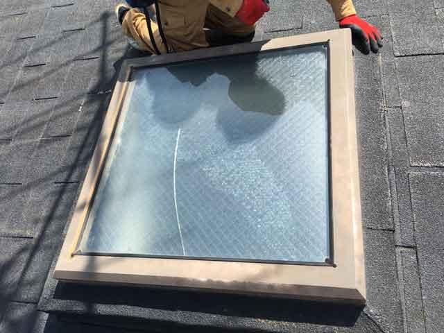 天窓ガラス修理前