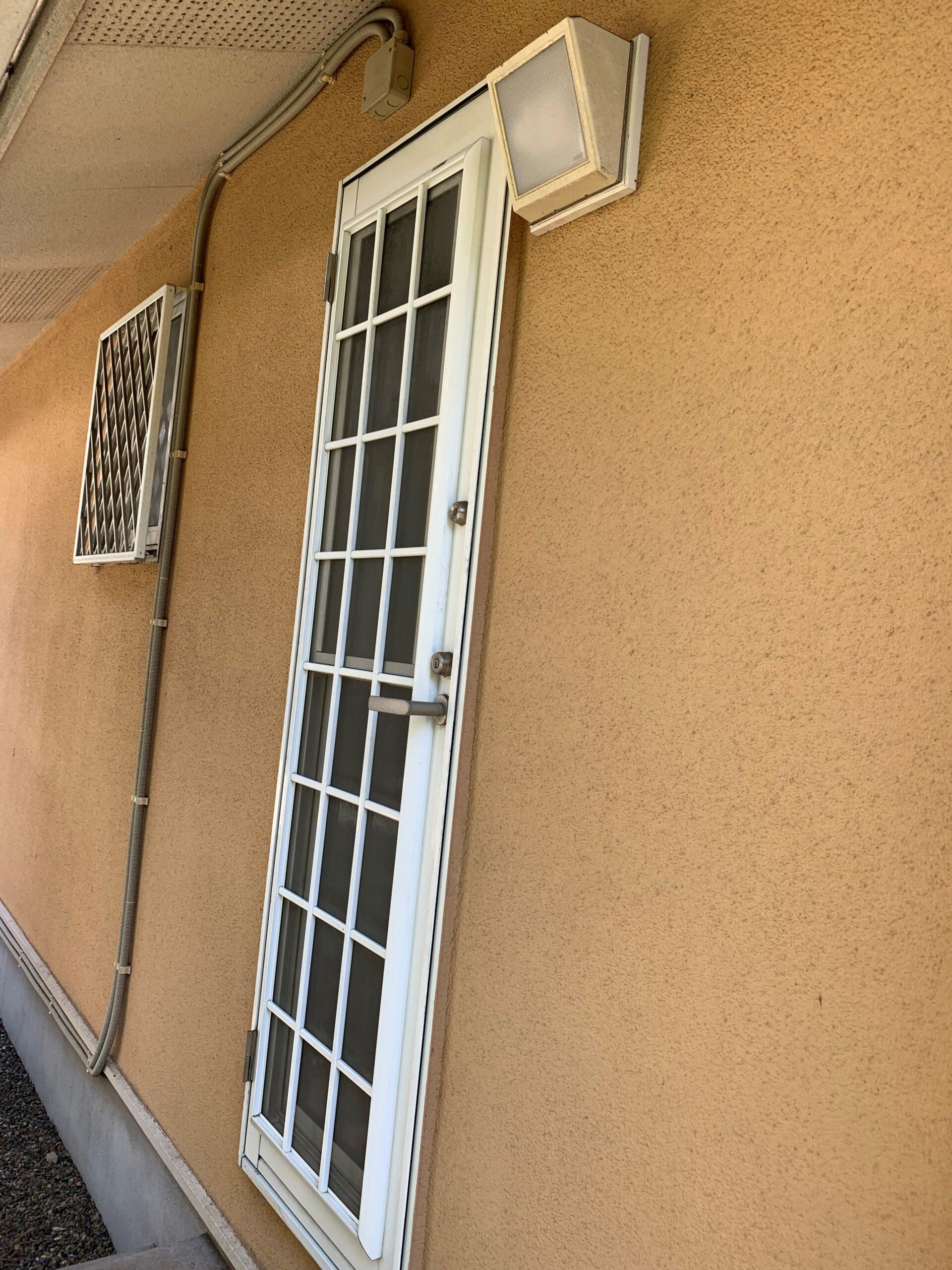 勝手口ドア修理完了