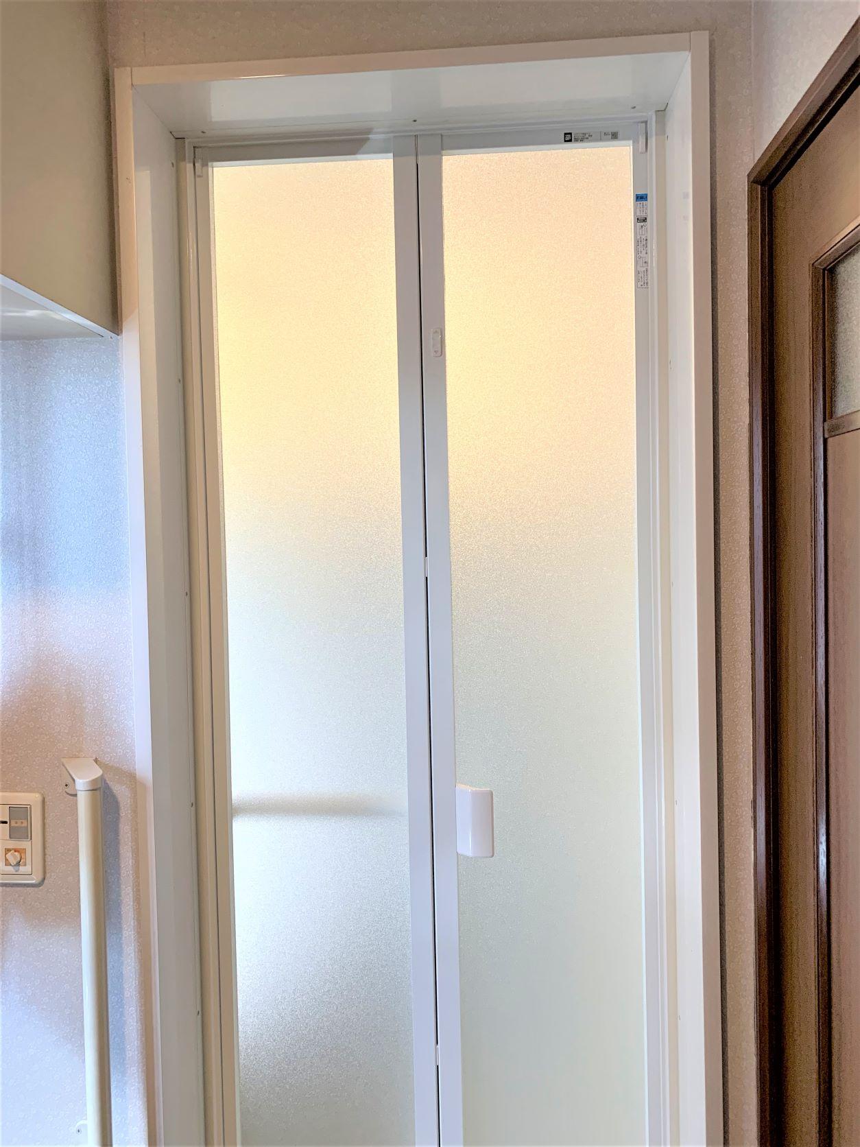 浴室折れ戸交換後